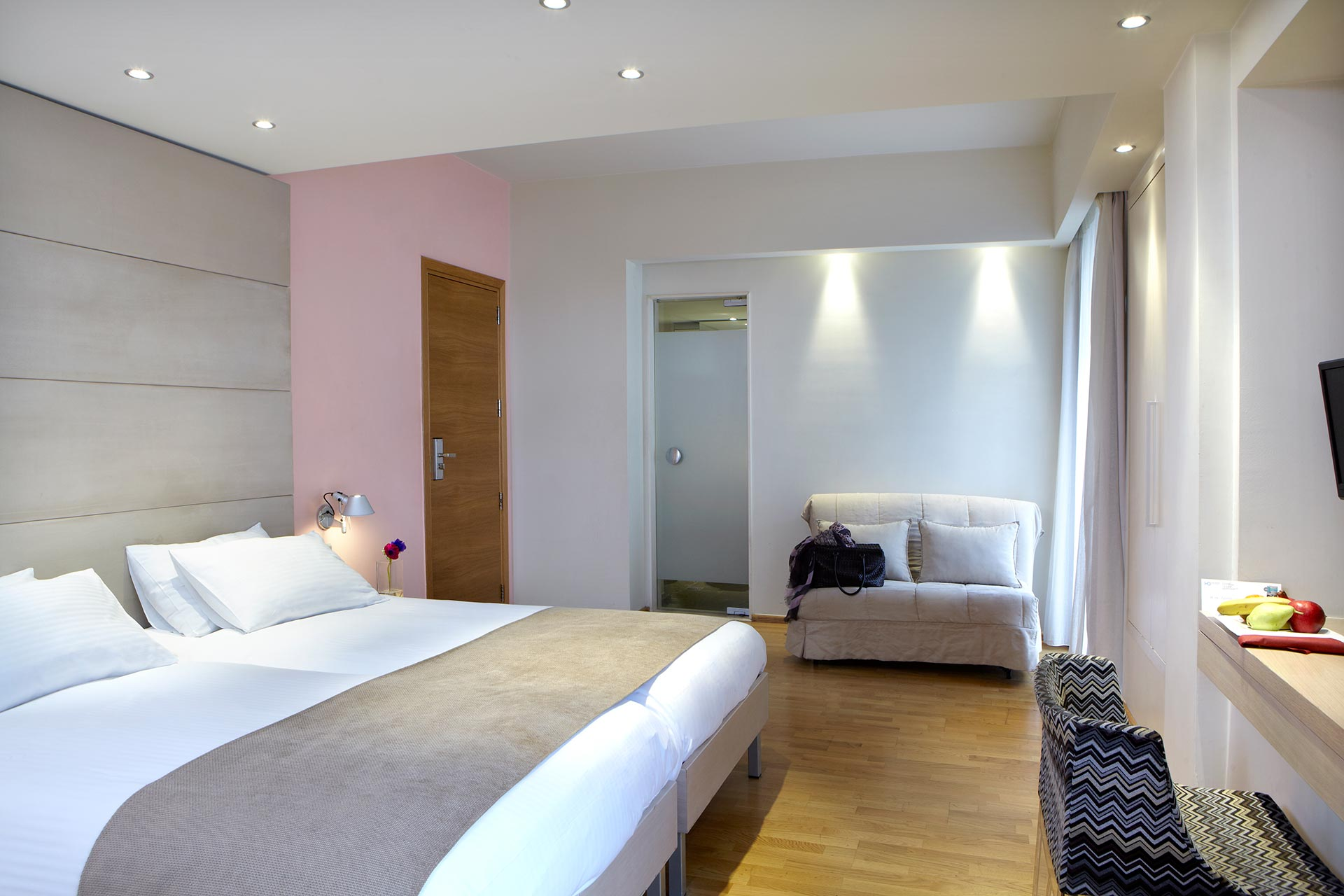 Spacious_Family_Rooms_View__Hotel_Olympia_Thessaloniki_Center