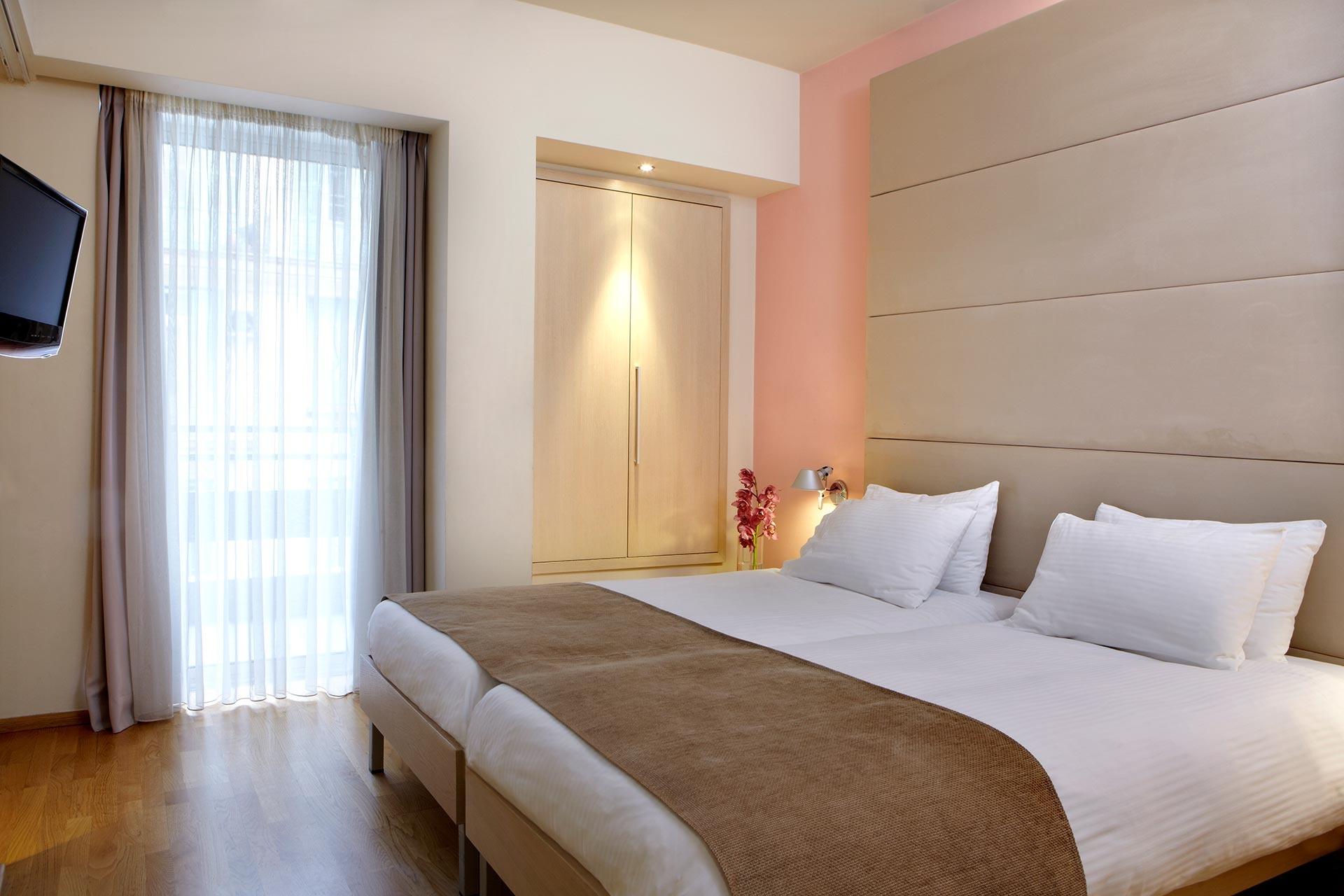 Business_Rooms_Thessaloniki_Center_travel_best_location_3501_Standard-Twin