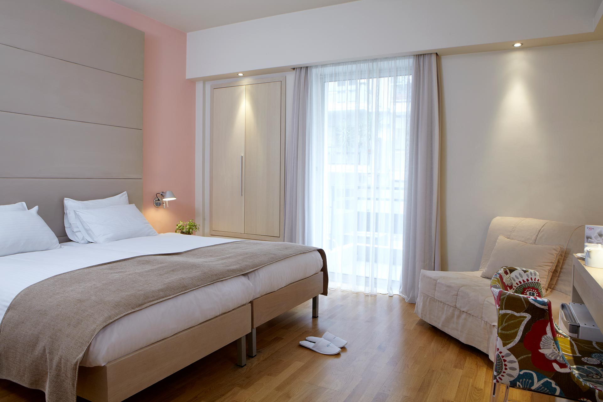 Spacious_Executive_Superior_Rooms_View_Thessaloniki_Center_04