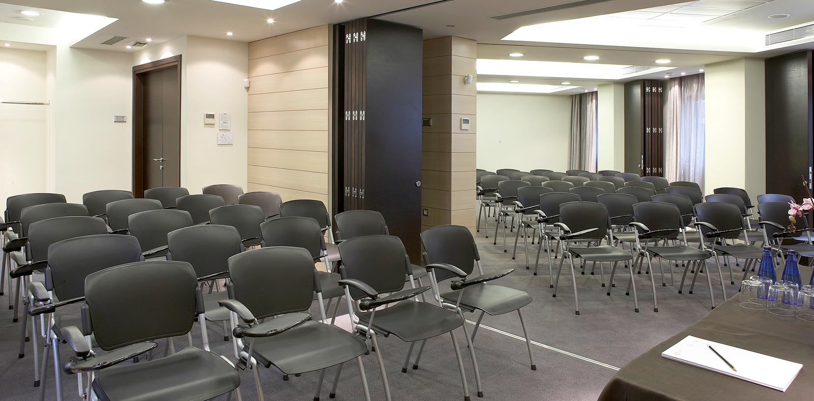 hotel_olympia_confererence_hall_seminars_expositions_social_events_J6J1441